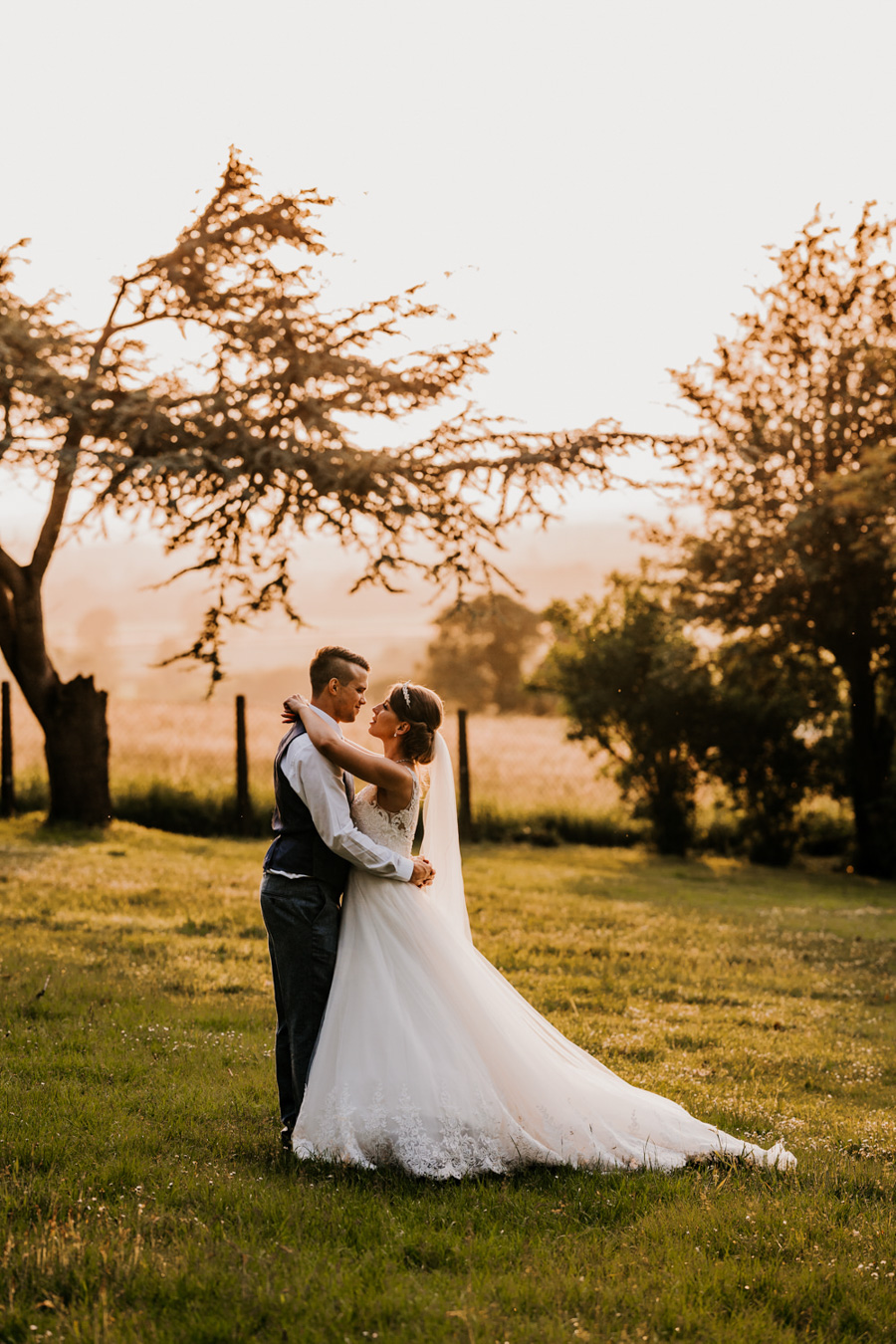 Charlotte and Dexter's minimal and elegant Coombe Lodge wedding, image credit Ryan Goold Photography (41)