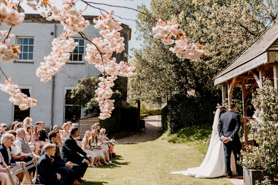 Vintage Somerset wedding with Beetles, photo credit Ryan Goold Photography (11)