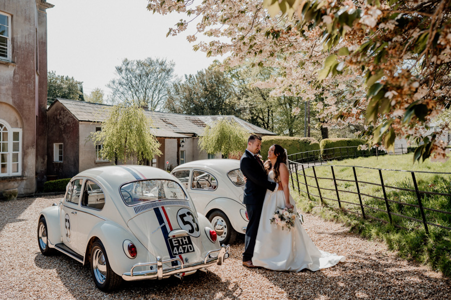 Vintage Somerset wedding with Beetles, photo credit Ryan Goold Photography (16)