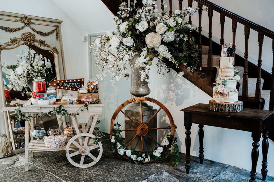 Vintage Somerset wedding with Beetles, photo credit Ryan Goold Photography (29)