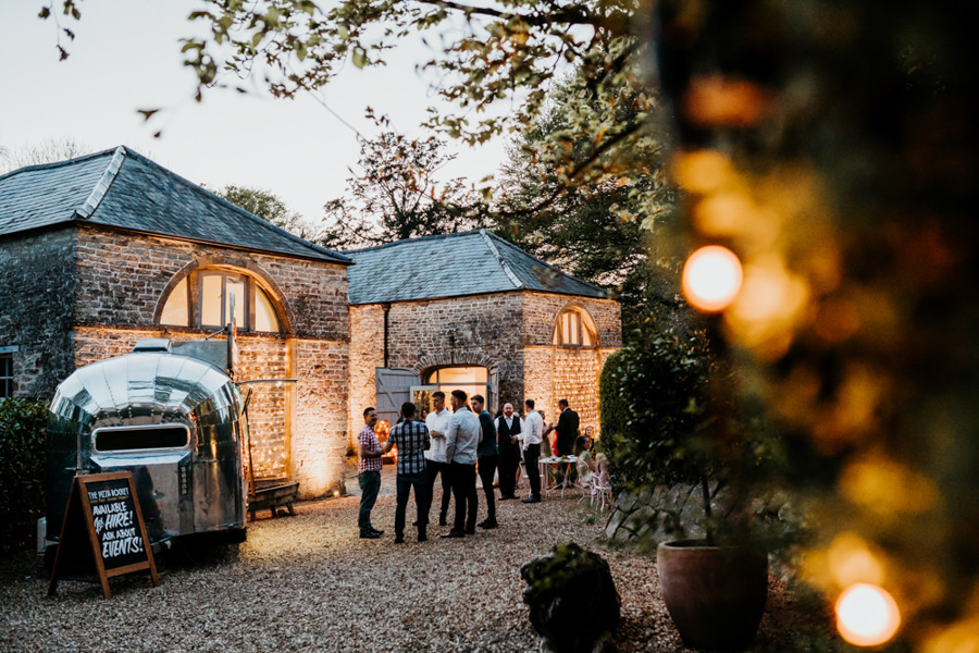 Vintage Somerset wedding with Beetles, photo credit Ryan Goold Photography (44)