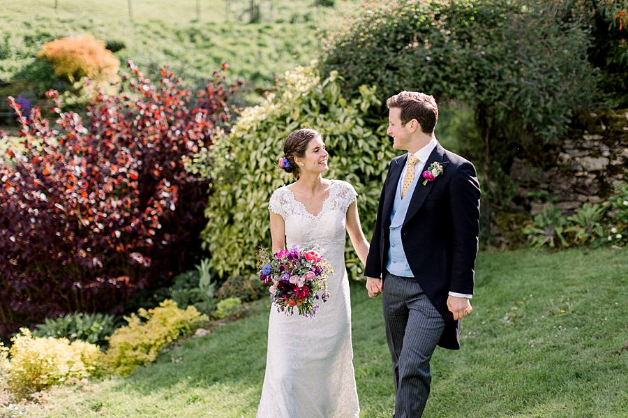 An elegant english barn wedding at Upcote with Hannah K Photography on English Wedding (15)