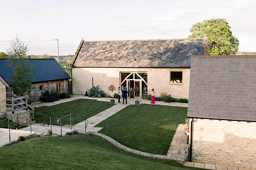 An elegant english barn wedding at Upcote with Hannah K Photography on English Wedding (35)