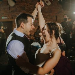 5 Important Questions To Ask Your Wedding Venue Before You Book Entertainment