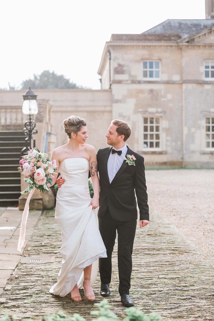 Photo credit Charlotte Wise Photography at Kirtlington Park via English Wedding Blog (25)