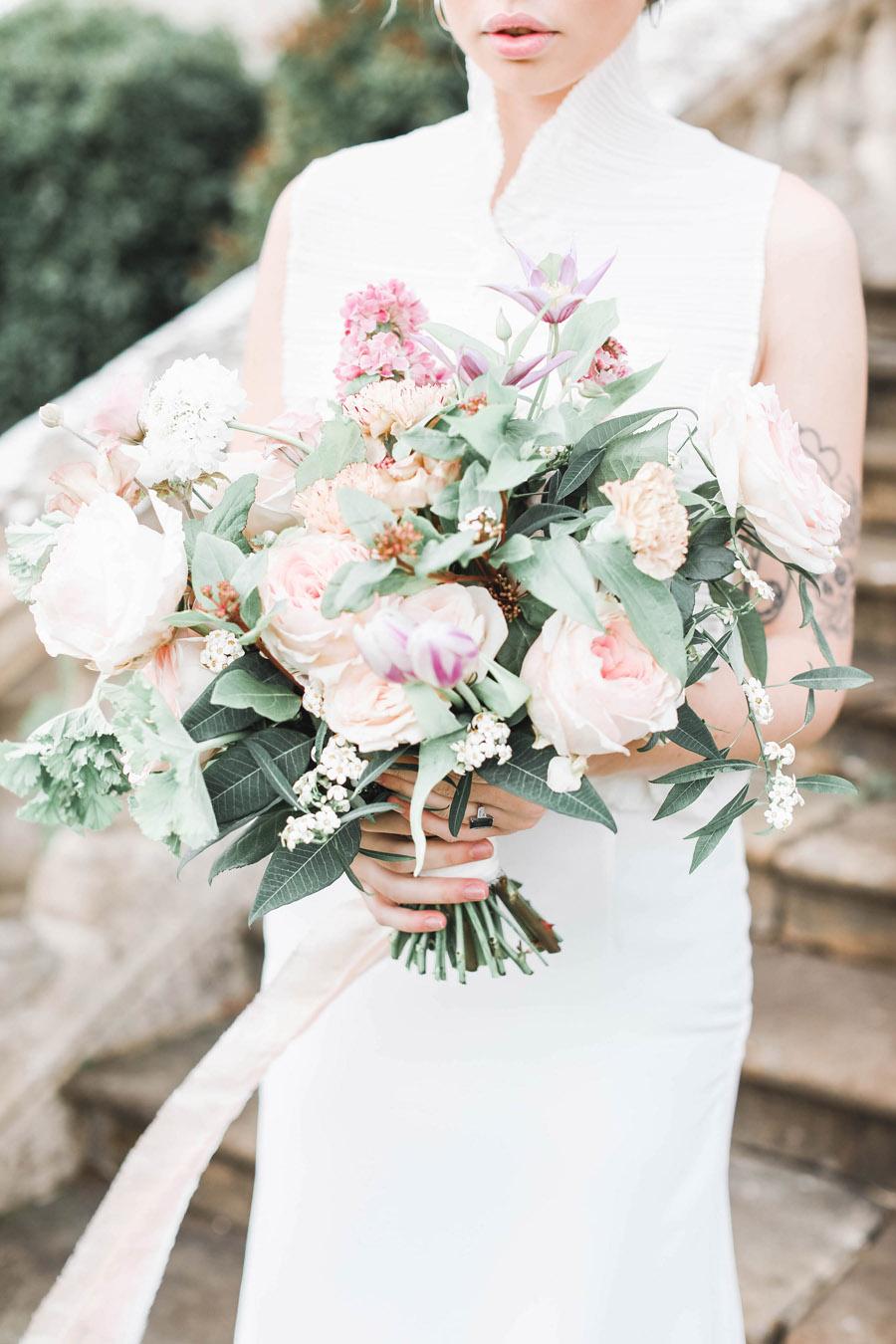 Photo credit Charlotte Wise Photography at Kirtlington Park via English Wedding Blog (13)