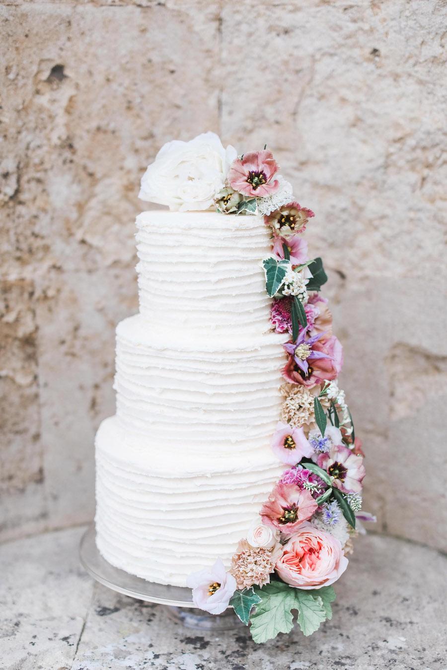 Photo credit Charlotte Wise Photography at Kirtlington Park via English Wedding Blog (11)