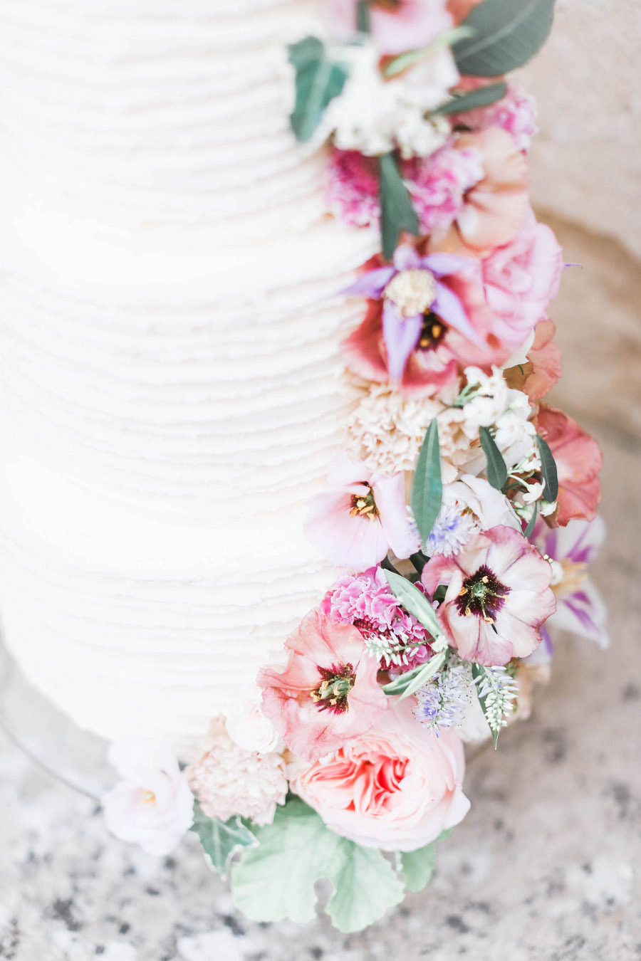 Photo credit Charlotte Wise Photography at Kirtlington Park via English Wedding Blog (9)