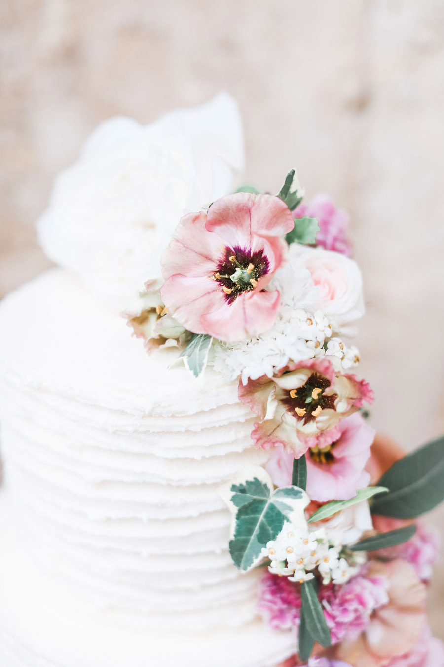 Photo credit Charlotte Wise Photography at Kirtlington Park via English Wedding Blog (8)
