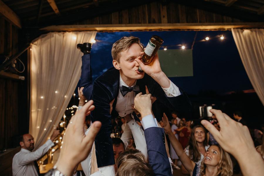 Alex and Hatty's wedding in Devon by Richard Skins Photography
