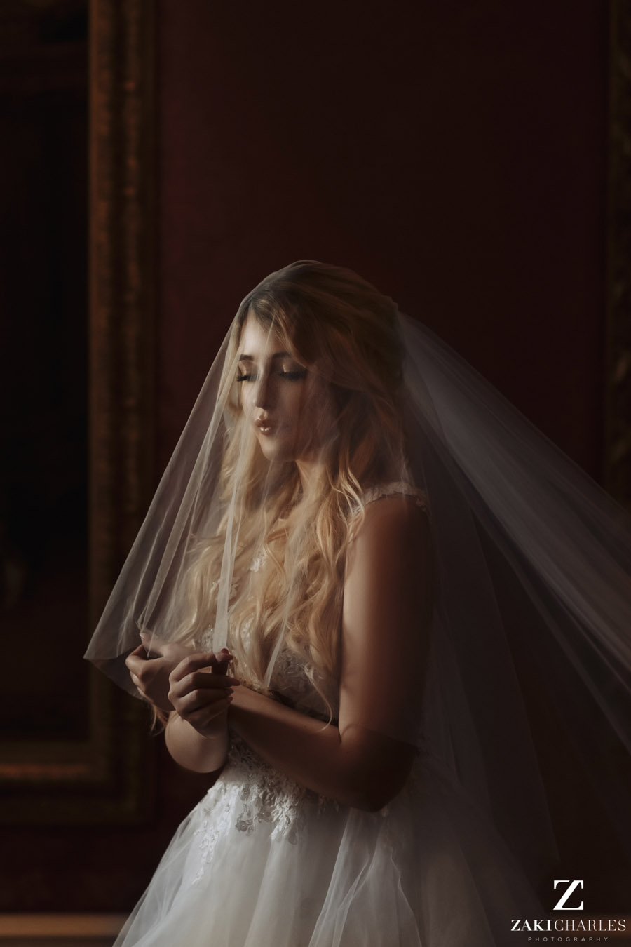 Oxford wedding photography, alternative wedding ideas from Ashmolean Museum with Zaki Charles Photography (25)