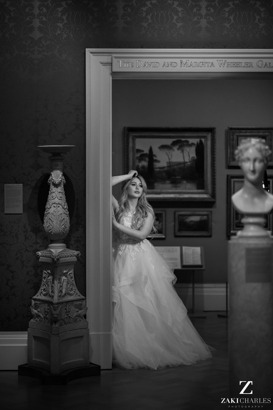 Oxford wedding photography, alternative wedding ideas from Ashmolean Museum with Zaki Charles Photography (18)