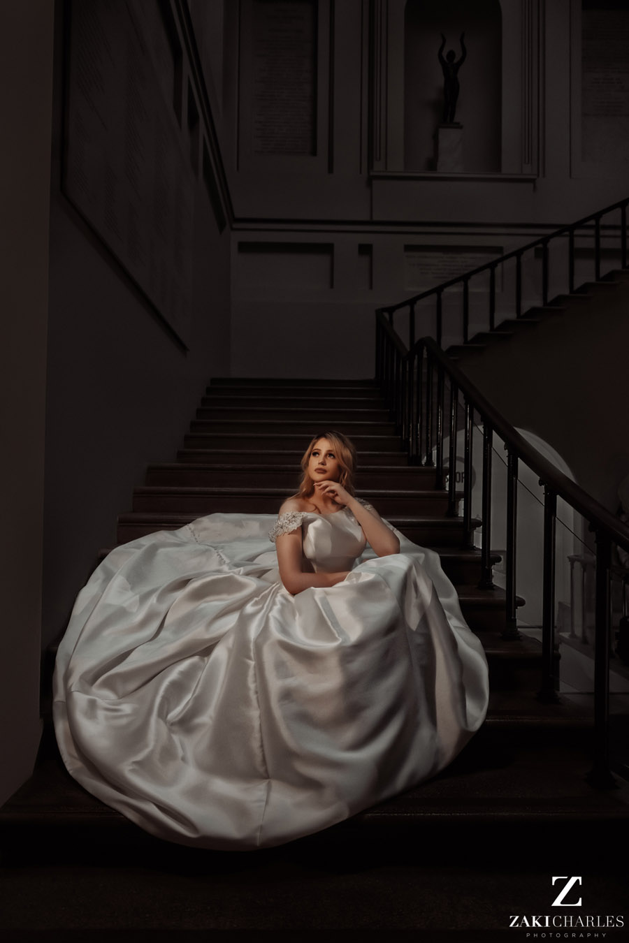 Oxford wedding photography, alternative wedding ideas from Ashmolean Museum with Zaki Charles Photography (39)