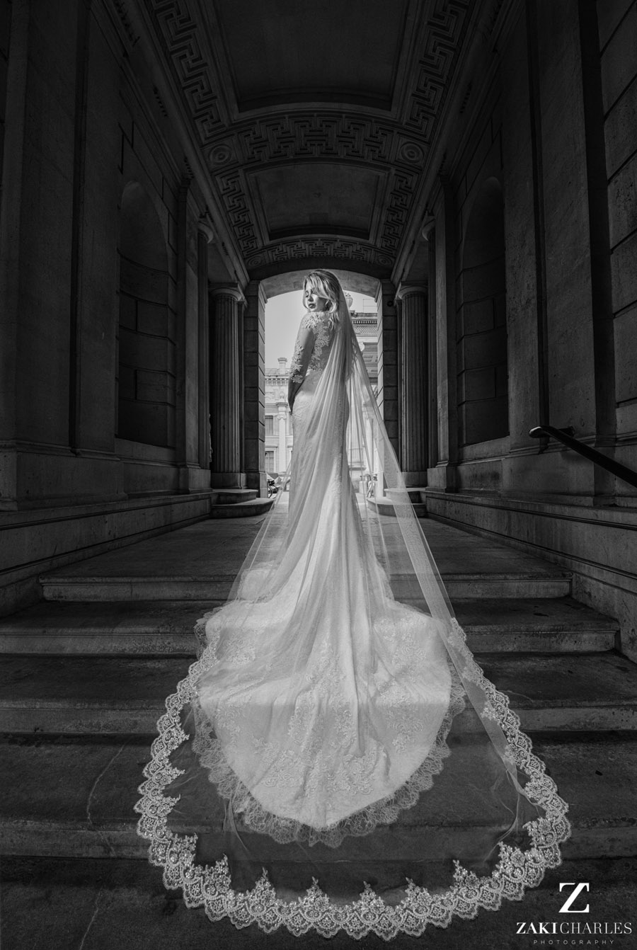 Oxford wedding photography, alternative wedding ideas from Ashmolean Museum with Zaki Charles Photography (3)