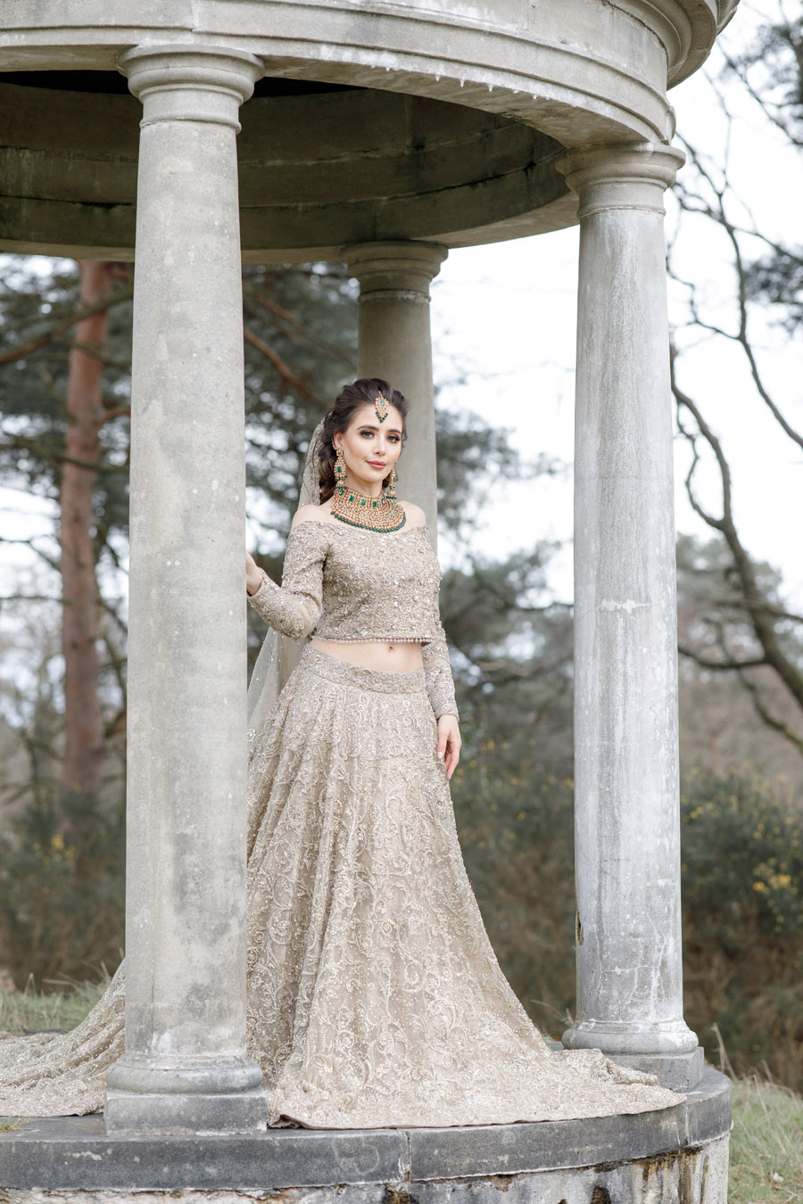 The Wedding Fairy and Zehra Photography style a modern Asian wedding shoot at Delamere Manor (40)