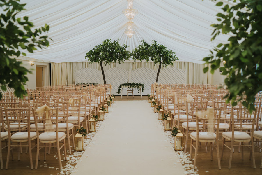 Beautiful images of Lizzie and Faz's fusion wedding at Fennes. Image credit Grace Elizabeth (3)
