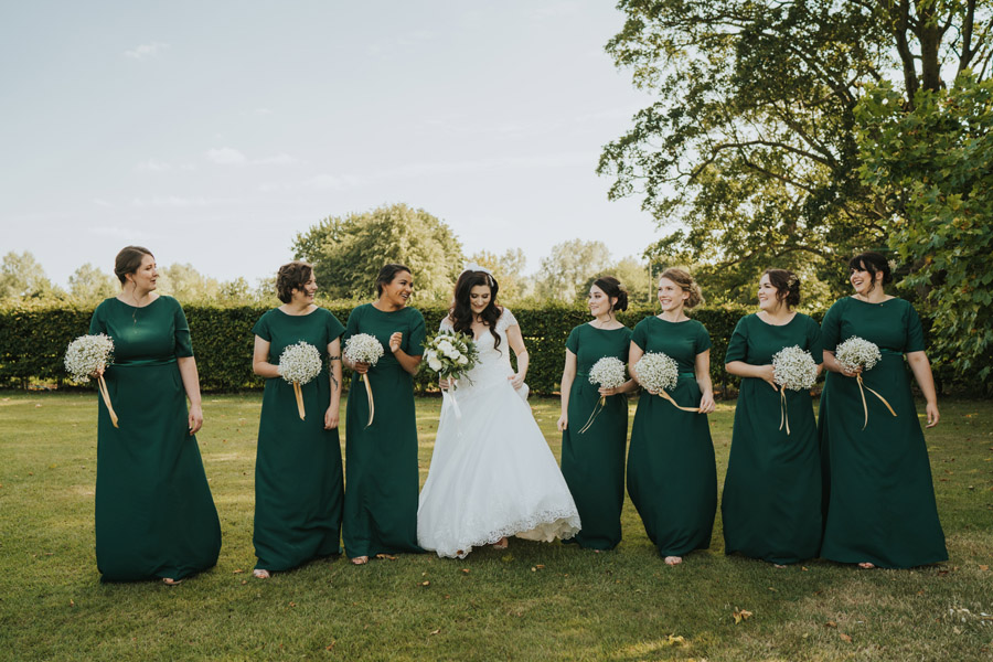 Beautiful images of Lizzie and Faz's fusion wedding at Fennes. Image credit Grace Elizabeth (31)
