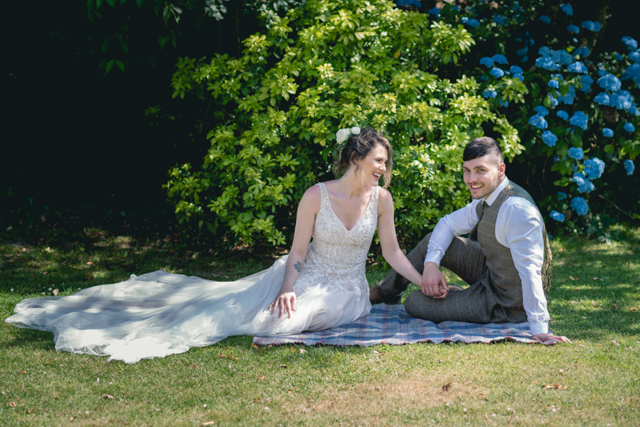 A dog friendly elopement in Cornwall - images by Iconik Photography (11)