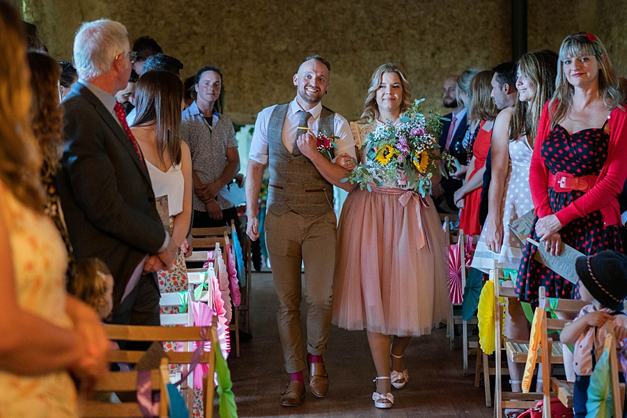 A gloriously creative Devon wedding at Eggbeer Farm, with images by Linus Moran Photography (18)