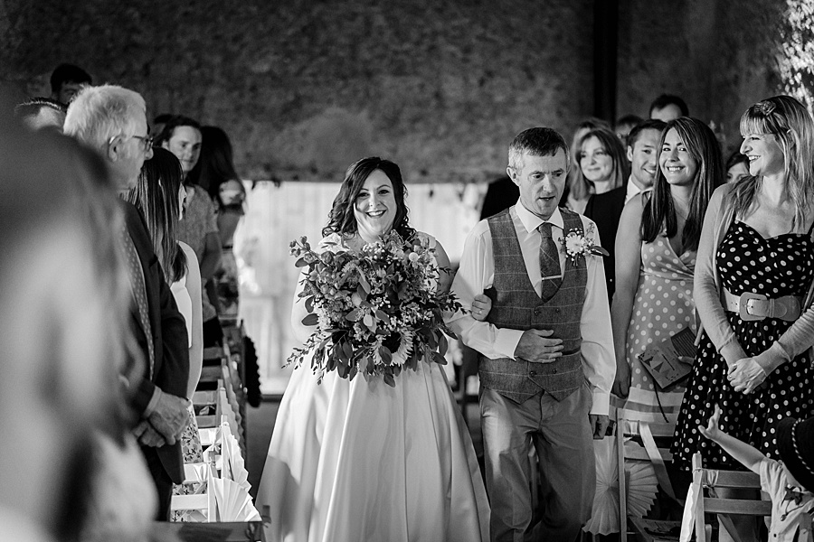 A gloriously creative Devon wedding at Eggbeer Farm, with images by Linus Moran Photography (19)