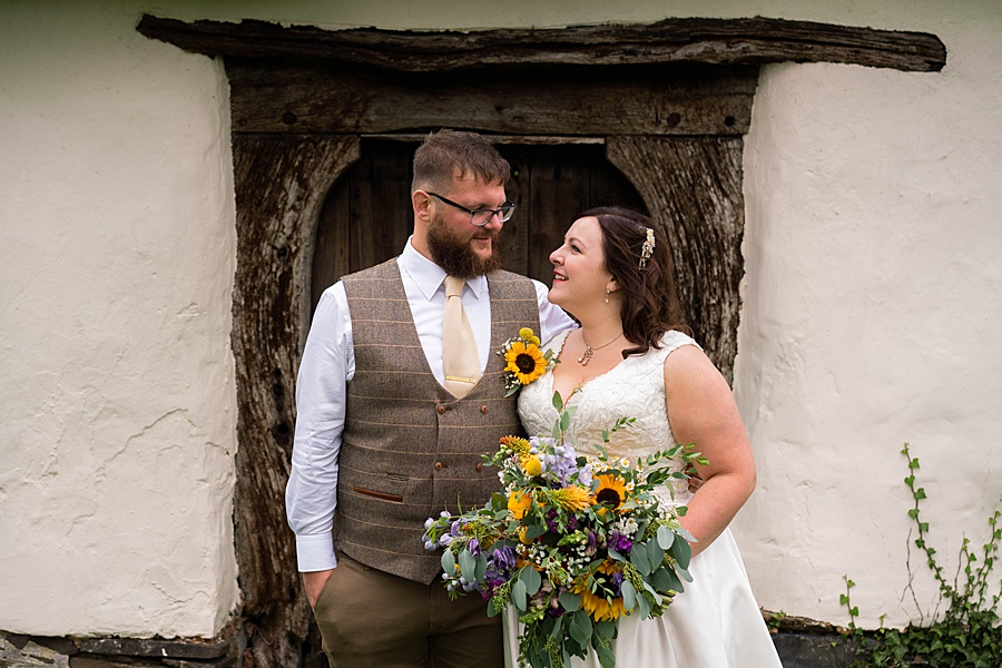 A gloriously creative Devon wedding at Eggbeer Farm, with images by Linus Moran Photography (32)