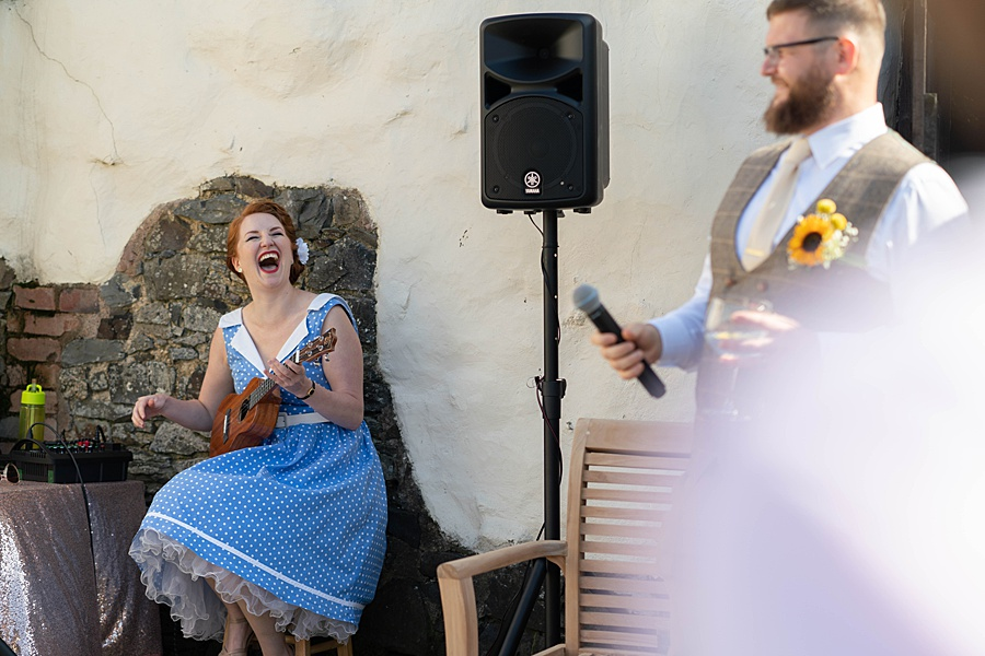 A gloriously creative Devon wedding at Eggbeer Farm, with images by Linus Moran Photography (35)
