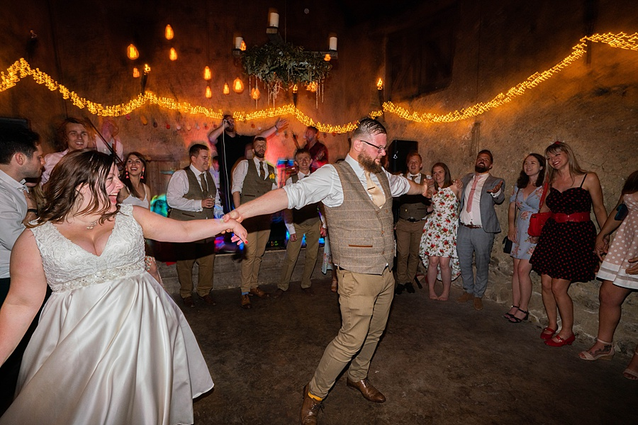 A gloriously creative Devon wedding at Eggbeer Farm, with images by Linus Moran Photography (45)