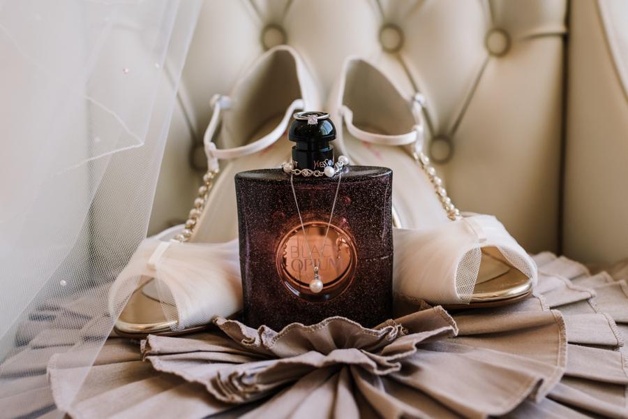 Parley Manor wedding photography by Rachel Elizabeth on English Wedding (9)