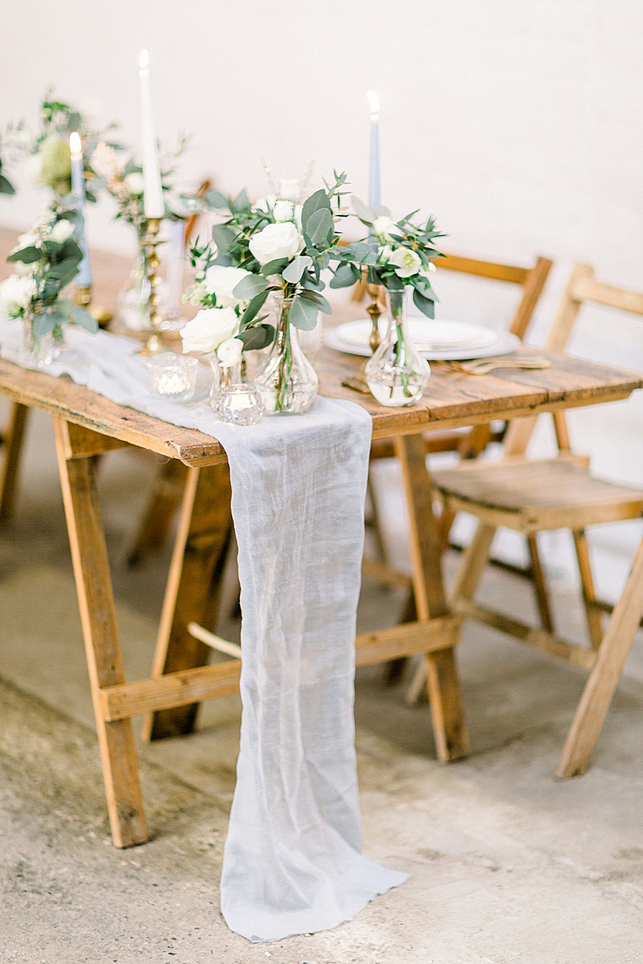 Barn venue transformed for a beautiful modern wedding, photo credit Terri and Lori (10)