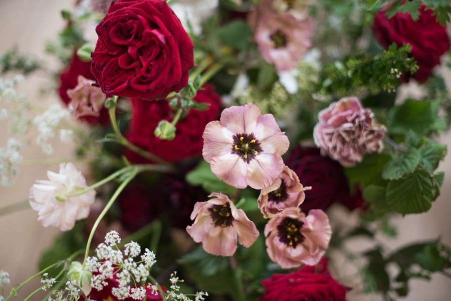 floral wedding ideas at Millbridge Court on English Wedding - photo credit Julie Michaelsen Photography (3)