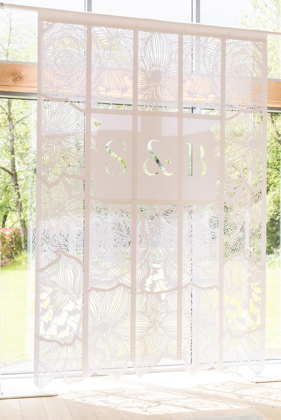 floral wedding ideas at Millbridge Court on English Wedding - photo credit Julie Michaelsen Photography (4)