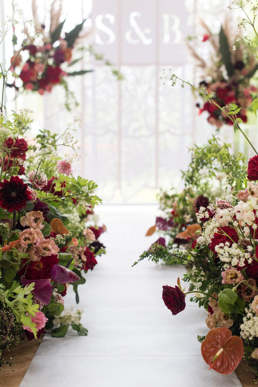floral wedding ideas at Millbridge Court on English Wedding - photo credit Julie Michaelsen Photography (9)