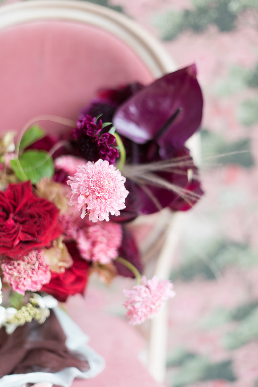 floral wedding ideas at Millbridge Court on English Wedding - photo credit Julie Michaelsen Photography (18)