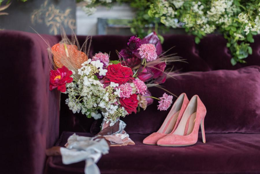 floral wedding ideas at Millbridge Court on English Wedding - photo credit Julie Michaelsen Photography (24)