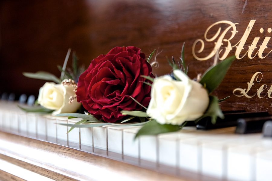 Glemham Hall wedding photographer Ayshea Goldberg on English-Wedding.com (1)