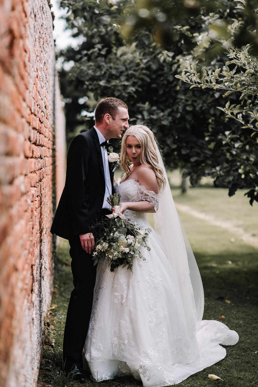 Whimsical wedding at Birtsmorton Court with beautiful photography by Oobaloos (35)