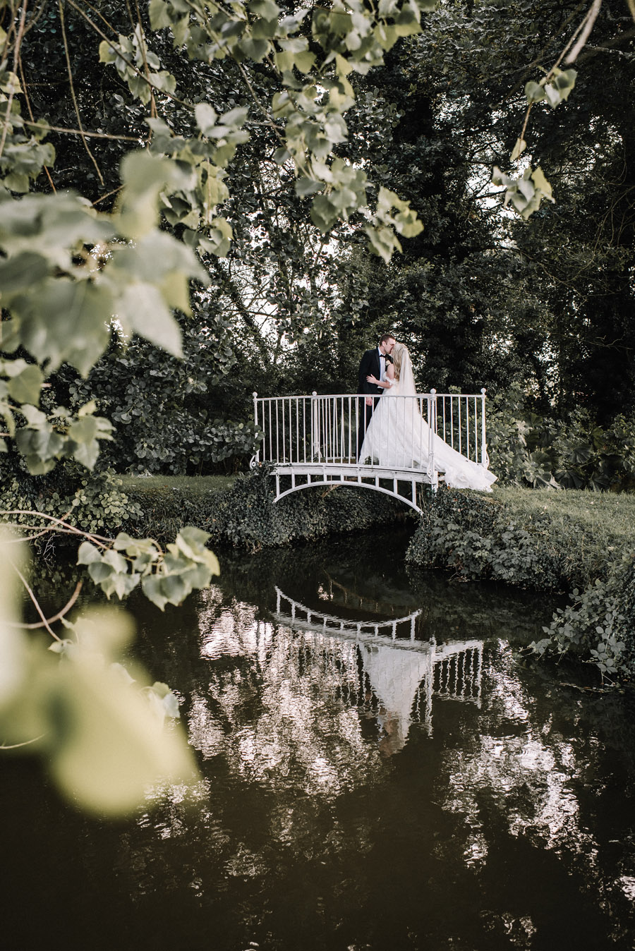Whimsical wedding at Birtsmorton Court with beautiful photography by Oobaloos (43)