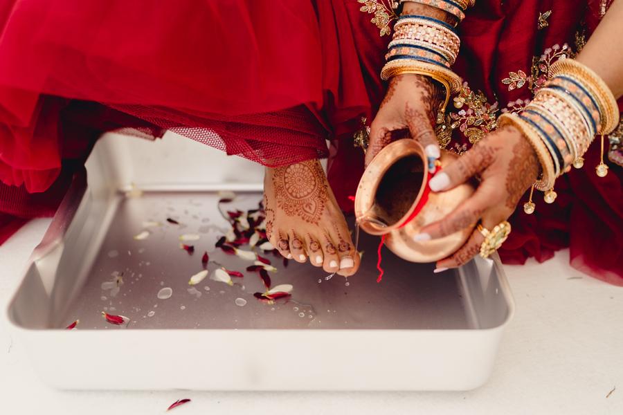 Priyal & Dan's fabulous English & Indian fusion wedding, with MIKI Studios at Braxted Park (20)