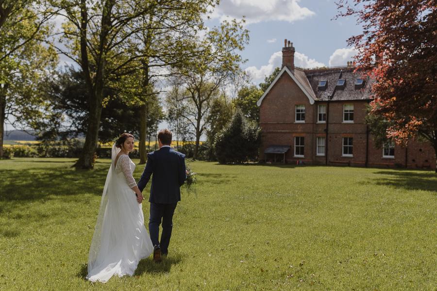 Dorset farm wedding with Emma Gates Photography (12)