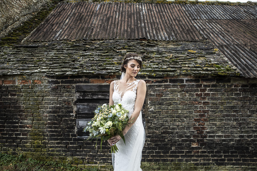 Stockmans Meadows Cambridgeshire wedding photography by Lorna Newman (7)