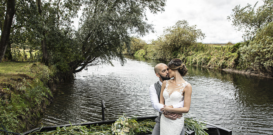 Stockmans Meadows Cambridgeshire wedding photography by Lorna Newman (19)