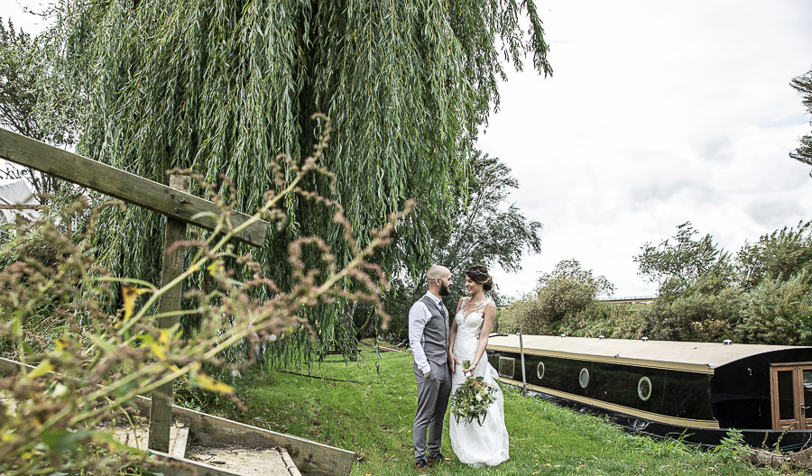 Stockmans Meadows Cambridgeshire wedding photography by Lorna Newman (21)