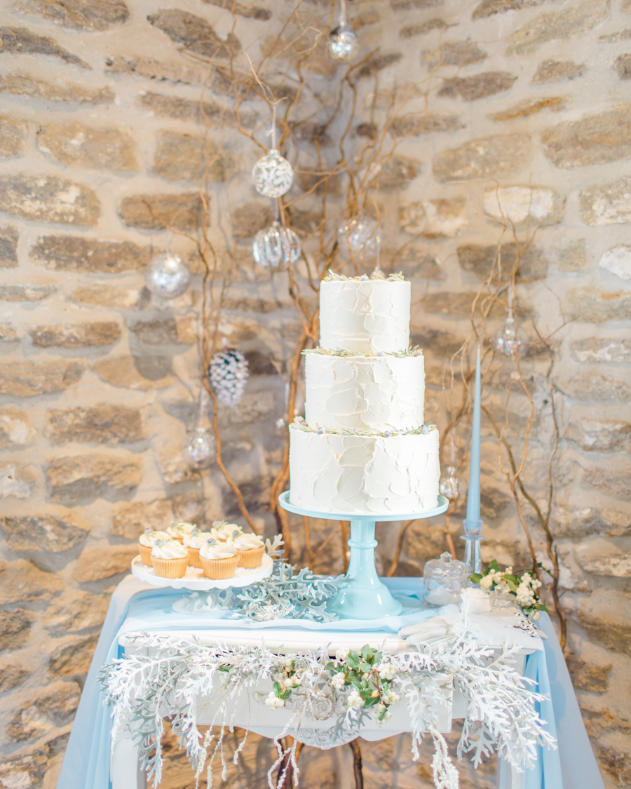Winter Elegance Frozen wedding style on English-Wedding.com with Natalie Stevenson Photography (22)