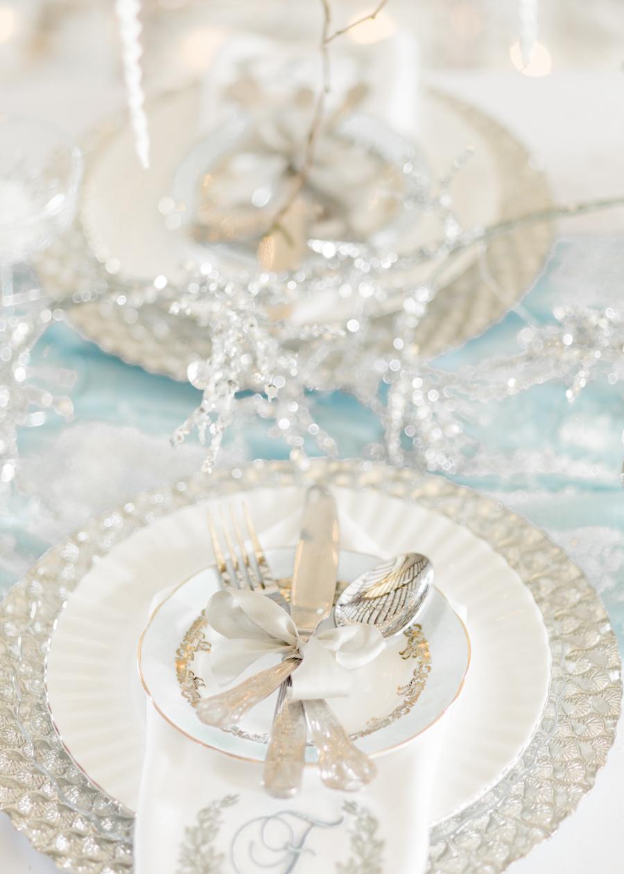 Winter Elegance Frozen wedding style on English-Wedding.com with Natalie Stevenson Photography (3)