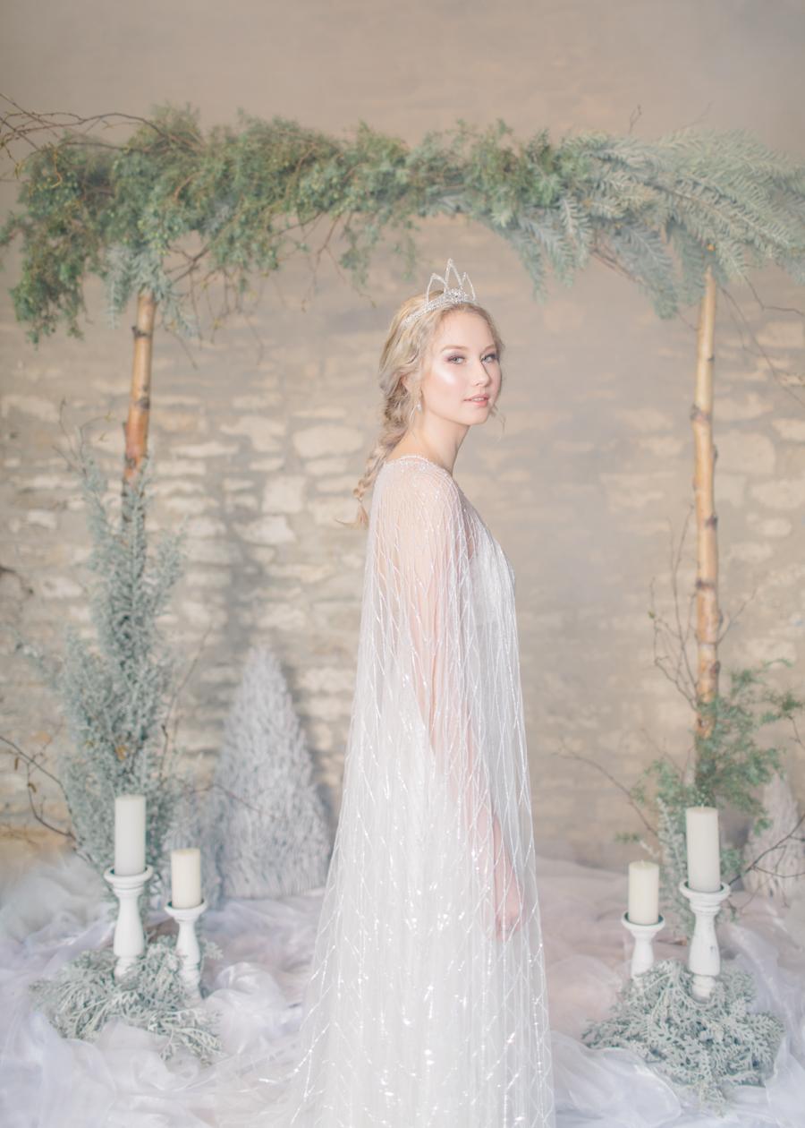 Winter Elegance Frozen wedding style on English-Wedding.com with Natalie Stevenson Photography (33)