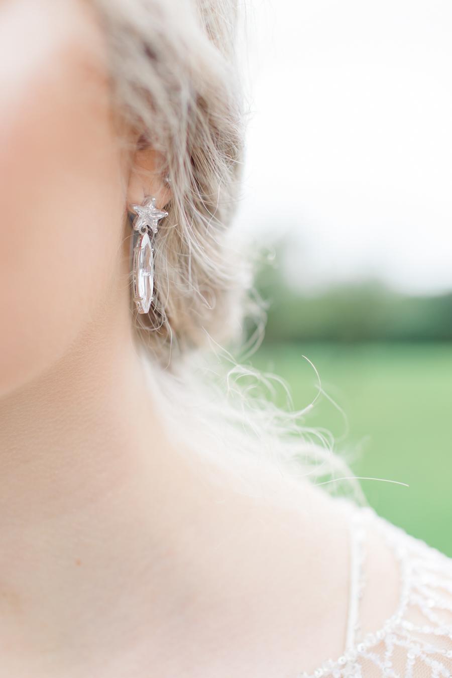 Winter Elegance Frozen wedding style on English-Wedding.com with Natalie Stevenson Photography (39)