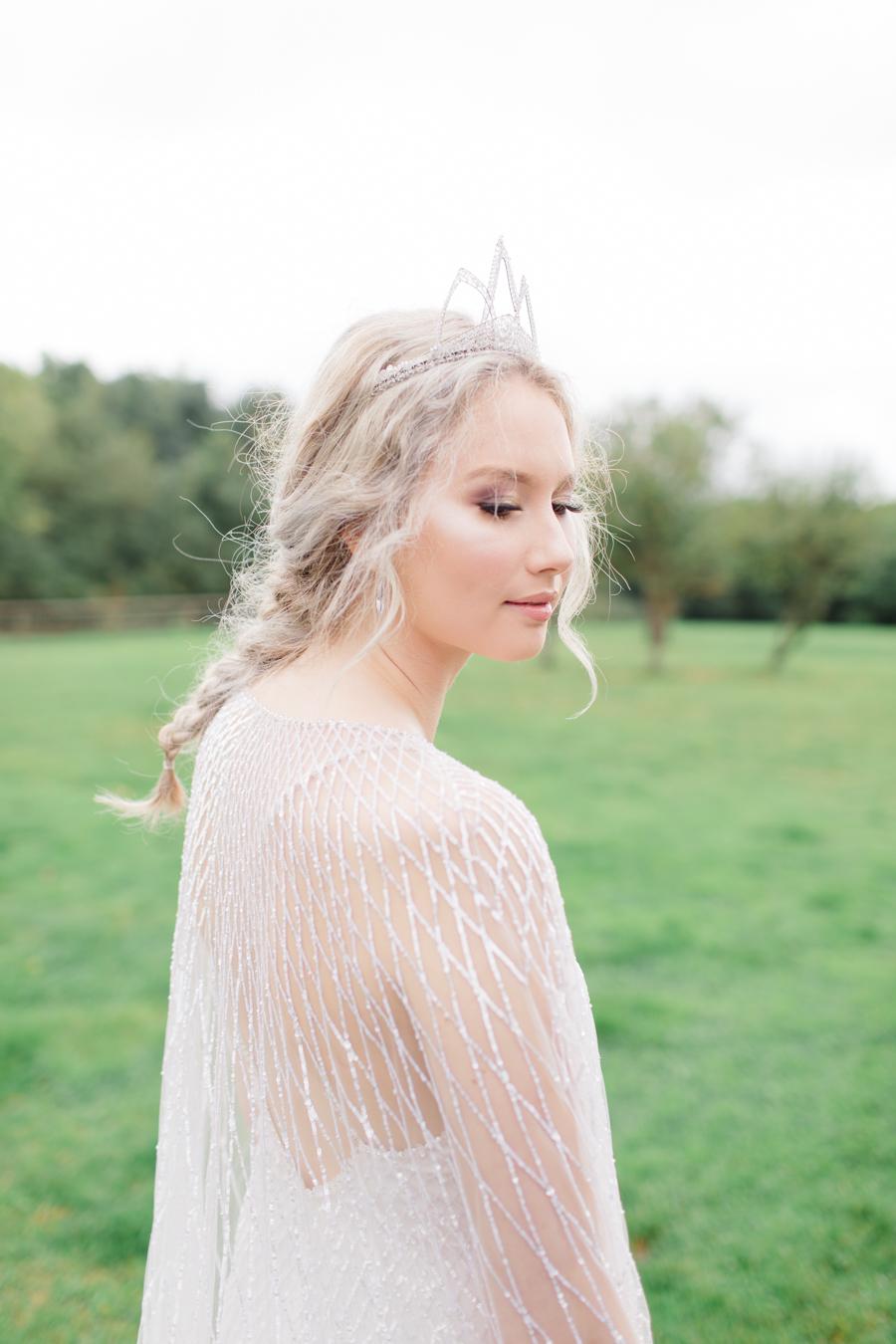 Winter Elegance Frozen wedding style on English-Wedding.com with Natalie Stevenson Photography (40)
