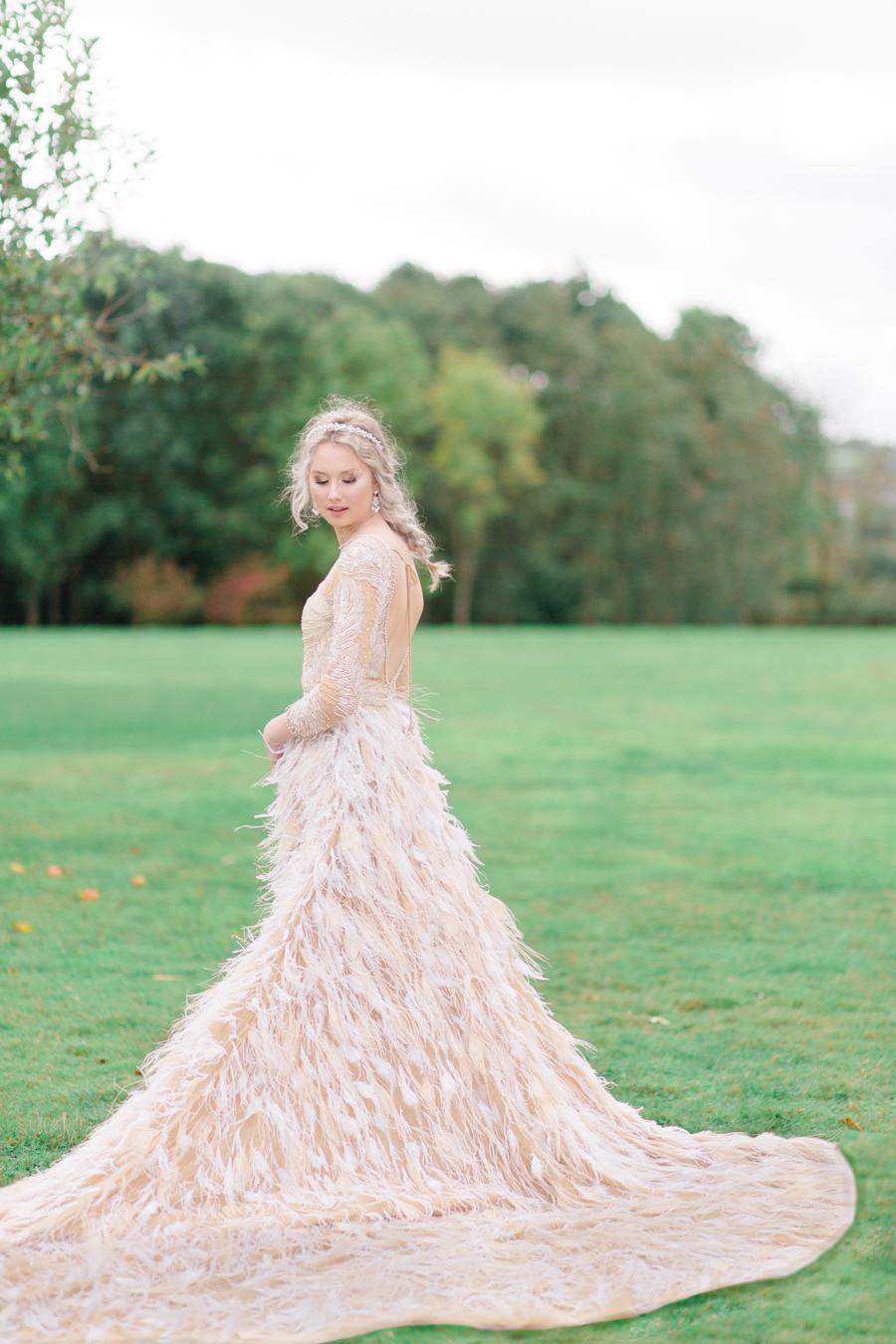 Winter Elegance Frozen wedding style on English-Wedding.com with Natalie Stevenson Photography (50)