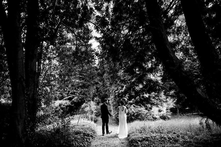Nikki & Gareth's gloriously happy Pennard House wedding with Jonny Barratt Photography (40)