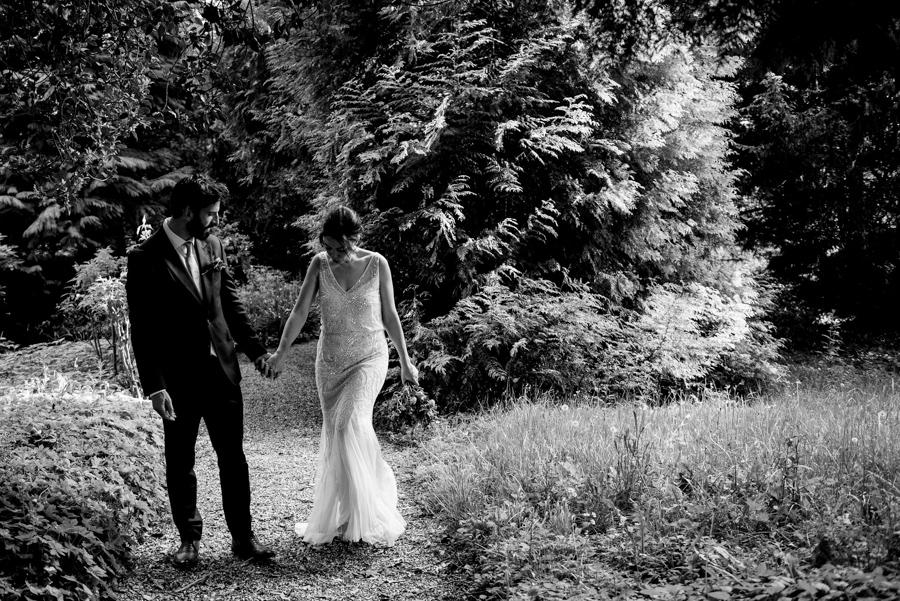 Nikki & Gareth's gloriously happy Pennard House wedding with Jonny Barratt Photography (42)